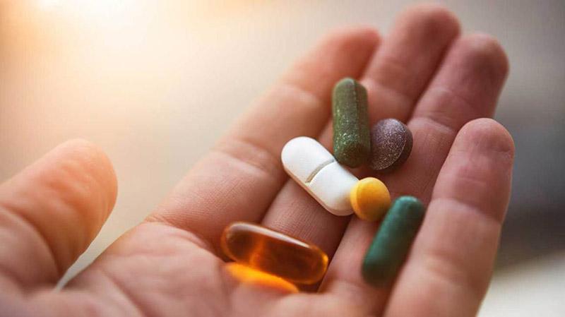 Bác sĩ sẽ kê đơn dùng thuốc điều trị theo tình trạng bệnh