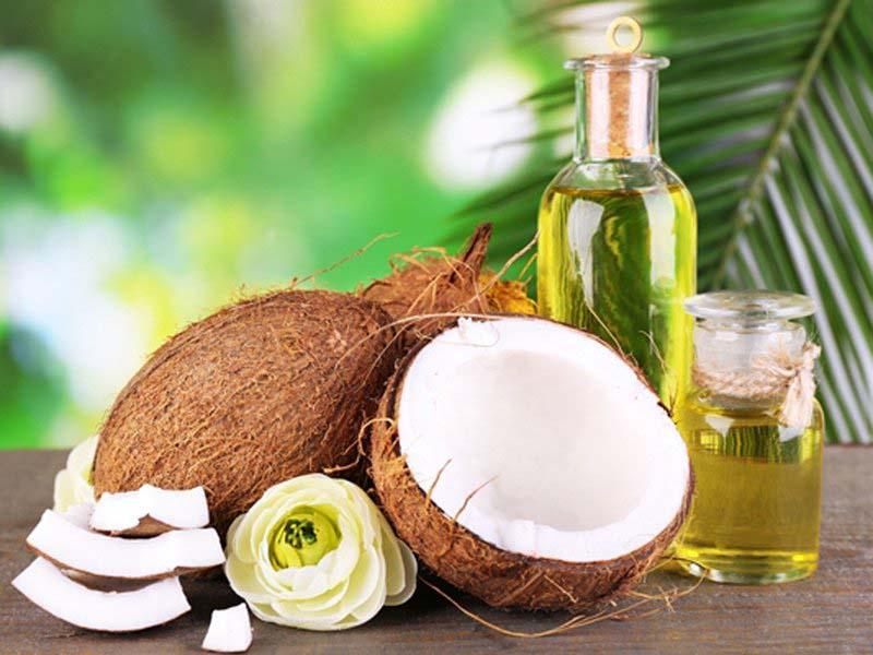 Dầu dừa có nhiều hoạt chất tốt cho da