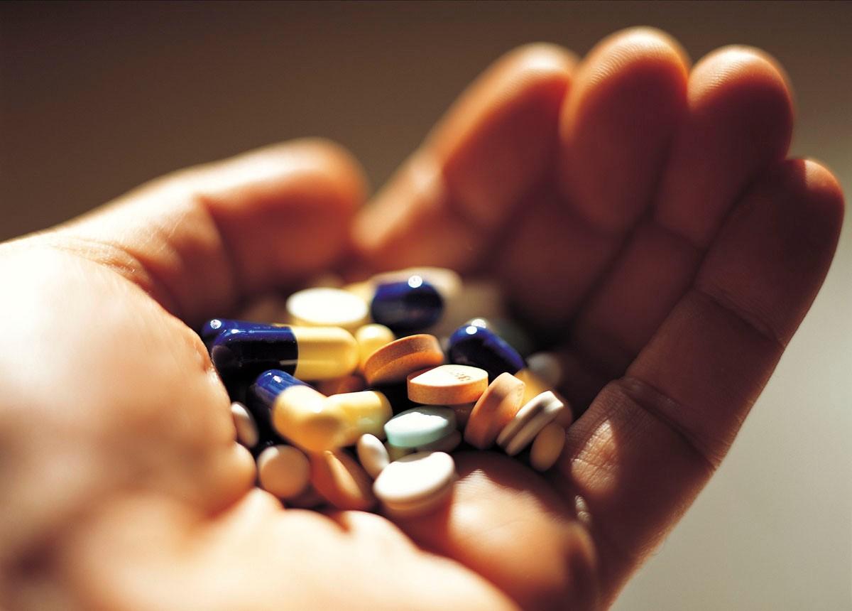 Thận trọng khi dùng thuốc Tây chữa viêm thanh quản