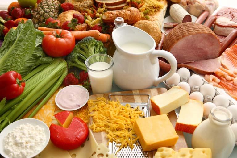 Người bị viêm thanh quản nên ăn nhiều rau củ quả