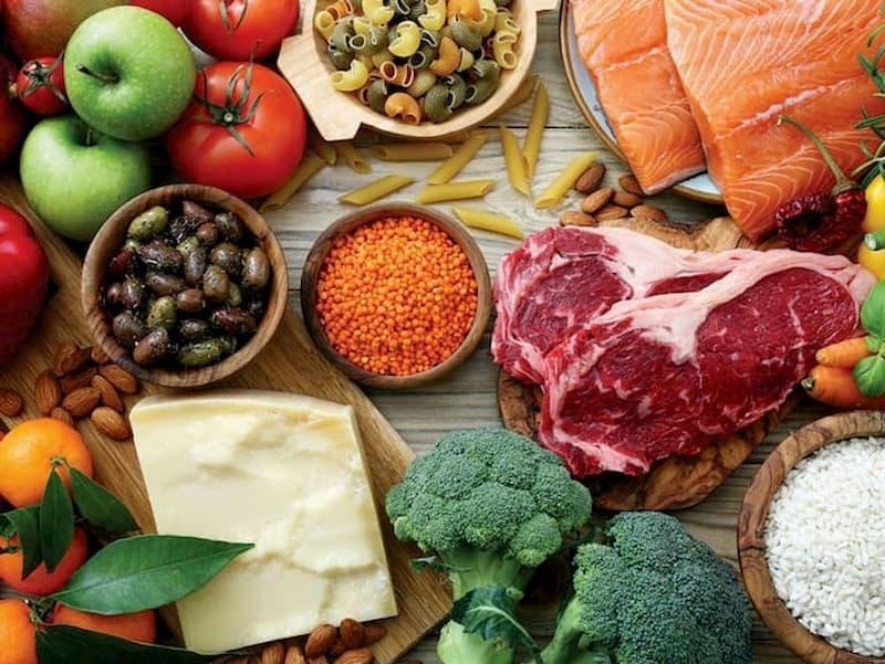 Thực phẩm tiêu thụ hàng ngày có ảnh hưởng trực tiếp đến làn da mụn
