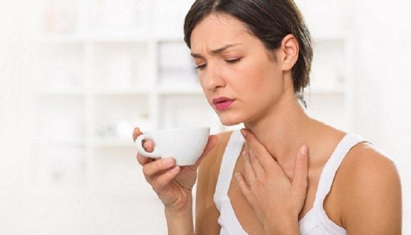 Khoảng 3 đến 6 tiếng sau phẫu thuật bệnh nhân sẽ có cảm giác đau âm ỉ tại vùng cổ