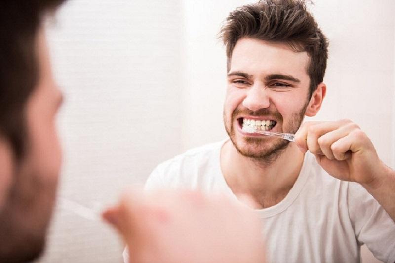 Người bệnh chỉ cần kiêng đánh răng trong vòng 24h đầu sau khi cắt amidan