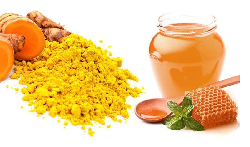 Dùng nghệ vàng hoặc tinh bột nghệ kết hợp với mật ong để chữa bệnh liên quan đến hệ tiêu hóa