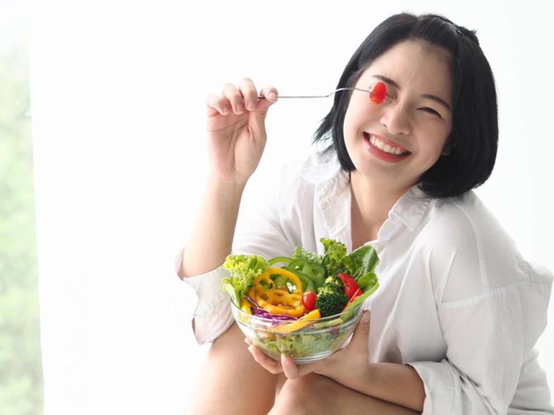 Chế độ ăn uống ảnh hưởng trực tiếp đến tình trạng mụn của bạn