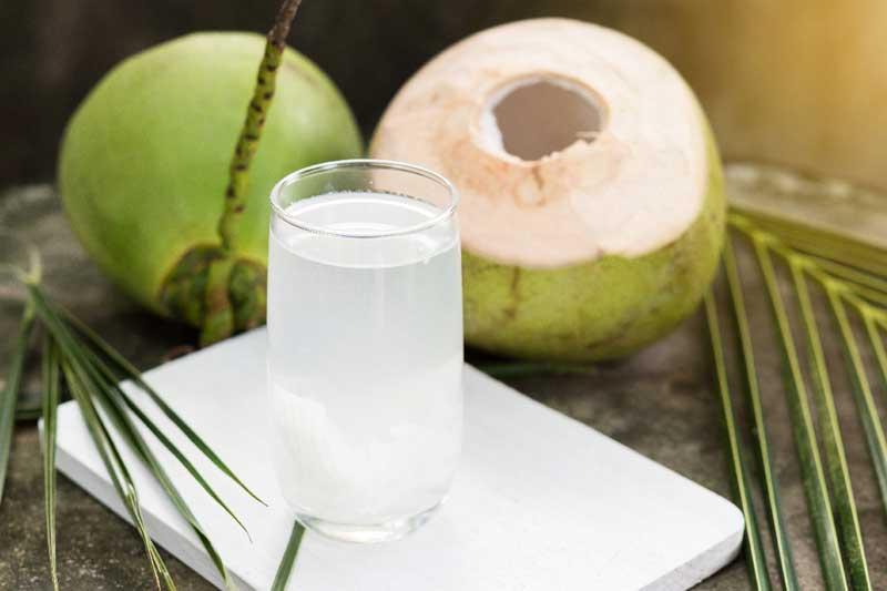 Enzyme có trong nước dừa tươi hỗ trợ quá trình chữa bệnh lý liên quan tới đường tiêu hóa nói chung