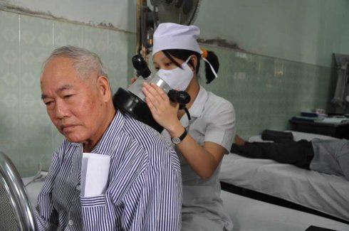 Lựa chọn cơ sở y tế uy tín để điều trị đau mỏi vai gáy
