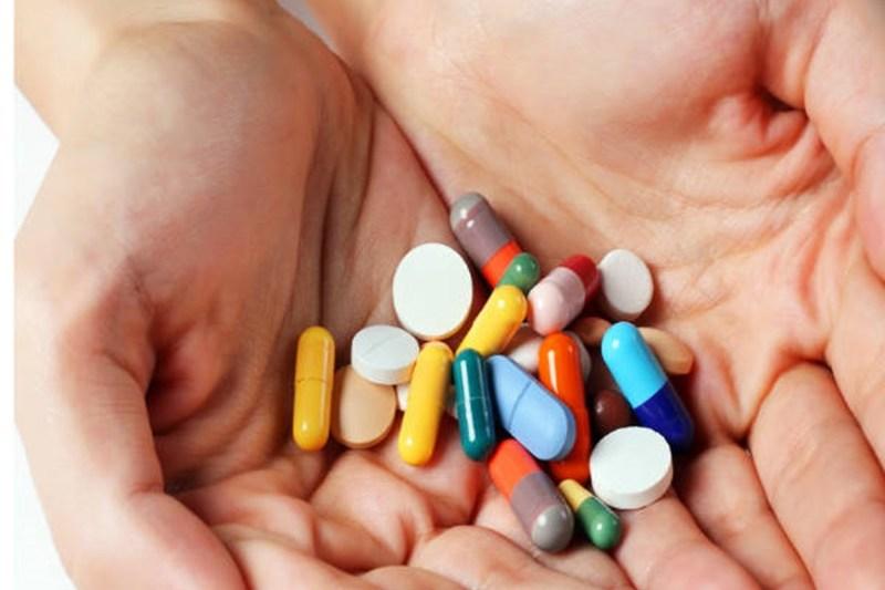 Điều trị đau dạ dày bằng một số loại thuốc Tây được bác sĩ kê đơn