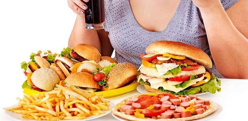 Chế độ ăn uống không khoa học khiến bệnh đau dạ dày trong đêm xuất hiện