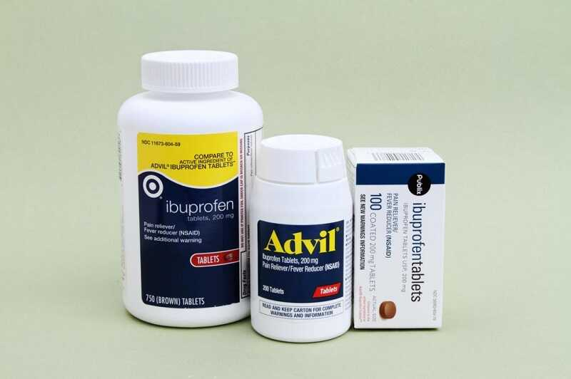 Đau khớp gối có thể uống NSAID - nhóm thuốc chống viêm không chứa steroid