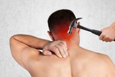Đau mỏi vai gáy nhức đầu do đốt sống cổ bị thoái hóa máu không được lưu thông dễ gây bệnh tiền đình và nhiều triệu chứng khác
