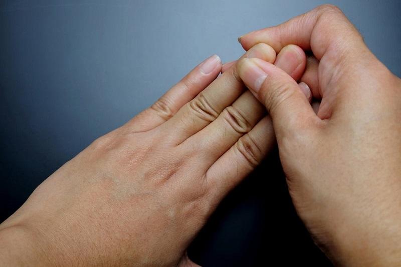 Điều trị đau khớp ngón tay đều có mục tiêu cải thiện triệu chứng bệnh, không thể điều trị bệnh khỏi hoàn toàn