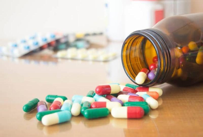 Đau khớp ngón tay uống thuốc gì? Thuốc chống viêm không chứa steroid là nhóm thuốc được sử dụng