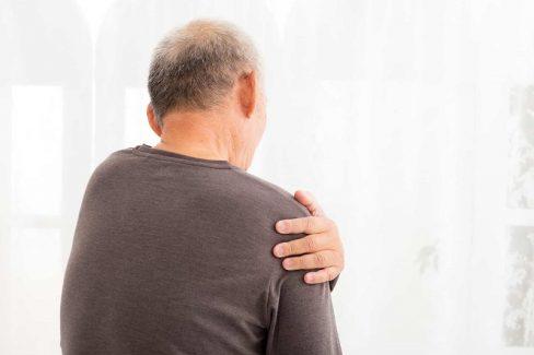 Tìm hiểu nguyên nhân gây bệnh để có phương pháp điều trị đau vai gáy phù hợp nhất
