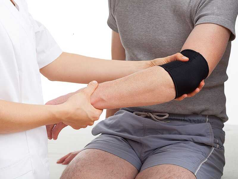 Có thể chữa đau khớp bằng phương pháp bấm huyệt, châm cứu