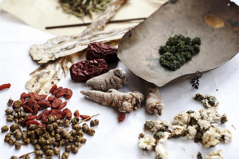 Kiên trì uống thuốc Đông y giúp loại trừ nhanh các triệu chứng bệnh gây khó chịu