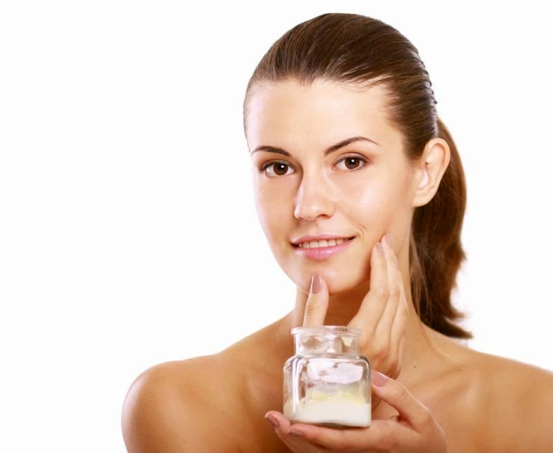 Sử dụng kem trị nám là một trong những phương pháp được nhiều người chọn lựa