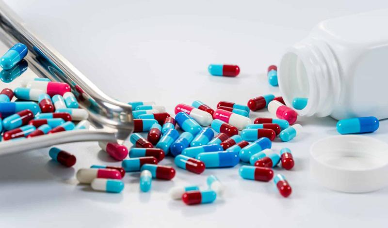 Loại bỏ mụn hiệu quả với thuốc Tây y
