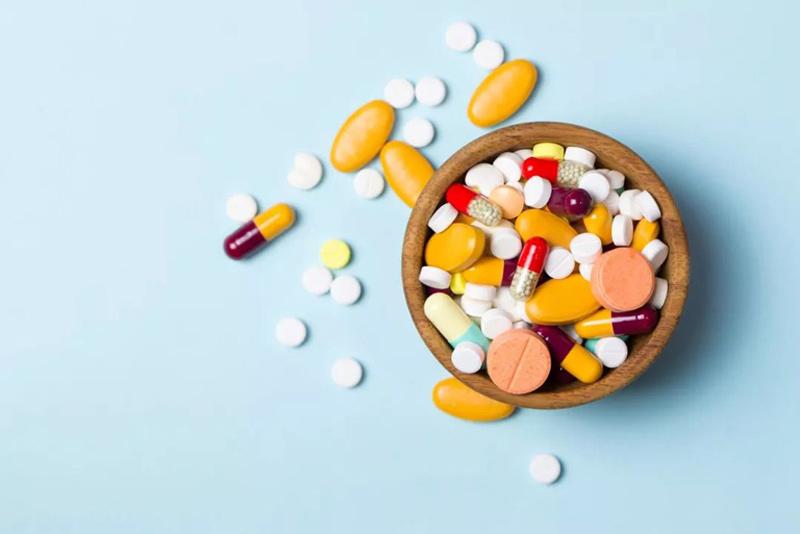 Trị mụn viêm bằng thuốc Tây y là phương pháp phổ biến hiện nay