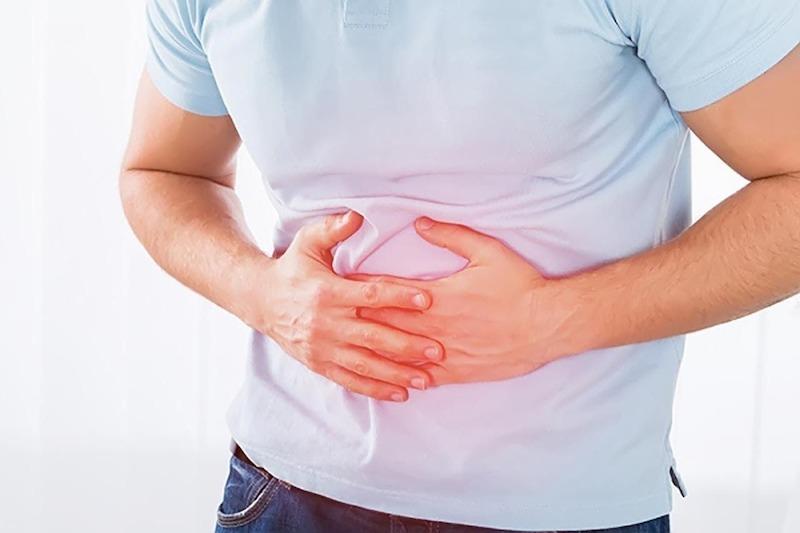 Đau vùng thượng vị là dấu hiệu bệnh thường gặp