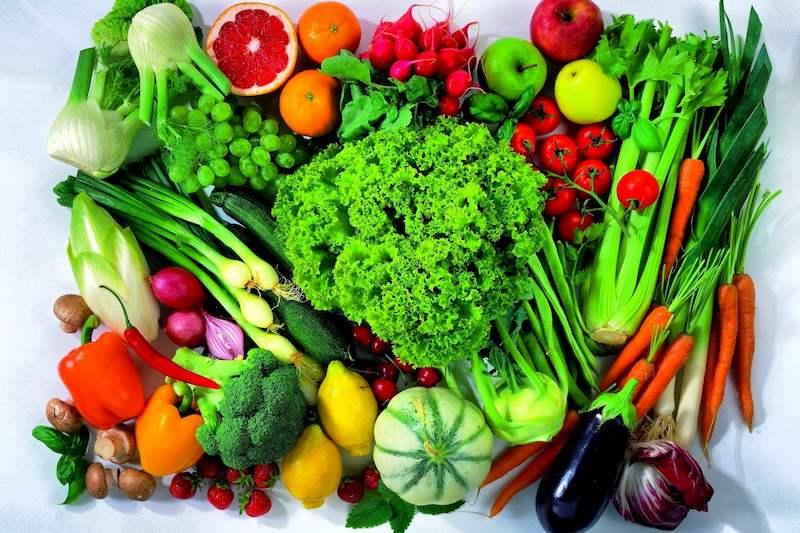 Người bệnh nên ăn nhiều rau xanh để bổ sung khóng chất, vitamin cần thiết và bảo vệ dạ dày