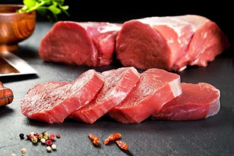 Trong thịt bò chứa nhiều vitamin và dưỡng chất vô cùng tốt cho cơ thể