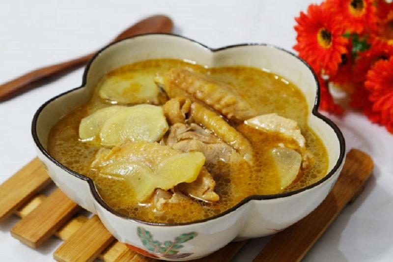 Món canh gà nấu gừng là món ăn ưa thích của nhiều người