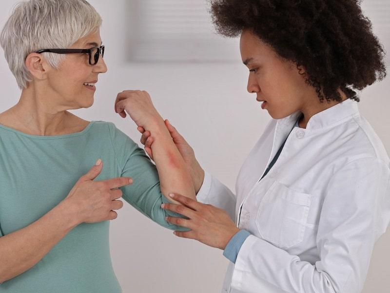 Bệnh nhân cần sớm đến các cơ sở y tế để thăm khám và điều trị