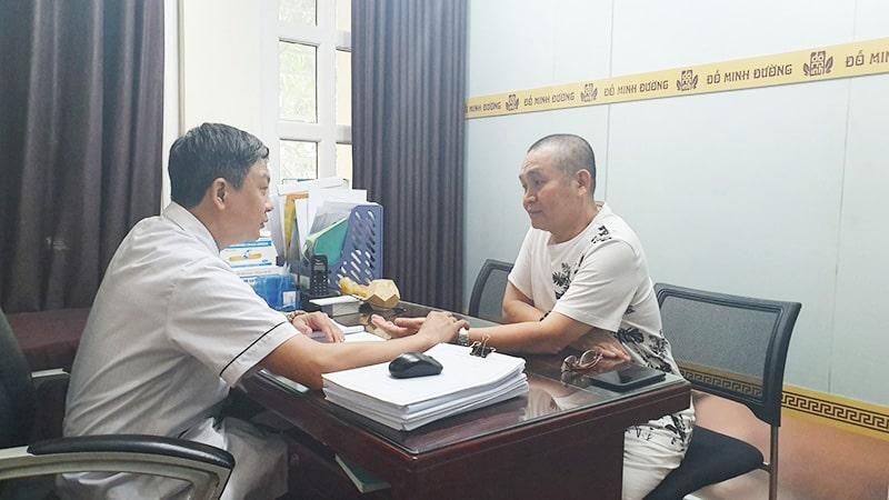 Nghệ sĩ Xuân Hinh cải thiện bệnh xương khớp đau vai gáy cổ thoái hóa tại Đỗ Minh Đường