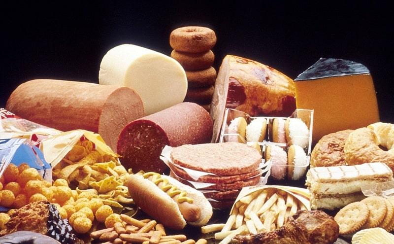 Tránh thực phẩm có chứa nhiều đường và chất béo