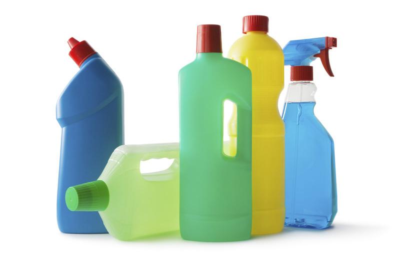 Da tiếp xúc với hóa chất độc hại dẫn đến bị chàm
