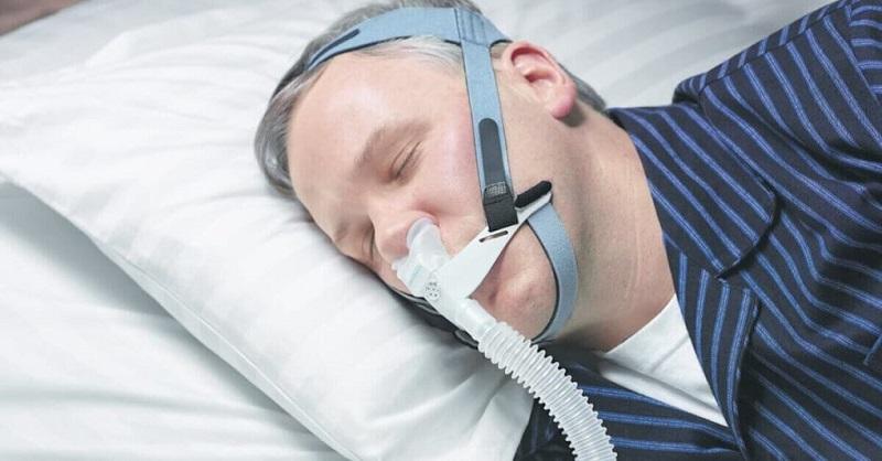 Bệnh nhân mắc ngưng thở khi ngủ phải thở áp lực dương liên tục để điều trị
