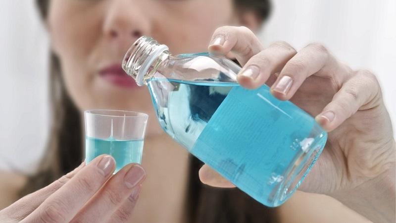Sát khuẩn răng miệng là biện pháp bảo vệ cơ thể khỏi các biến chứng viêm amidan hiệu quả