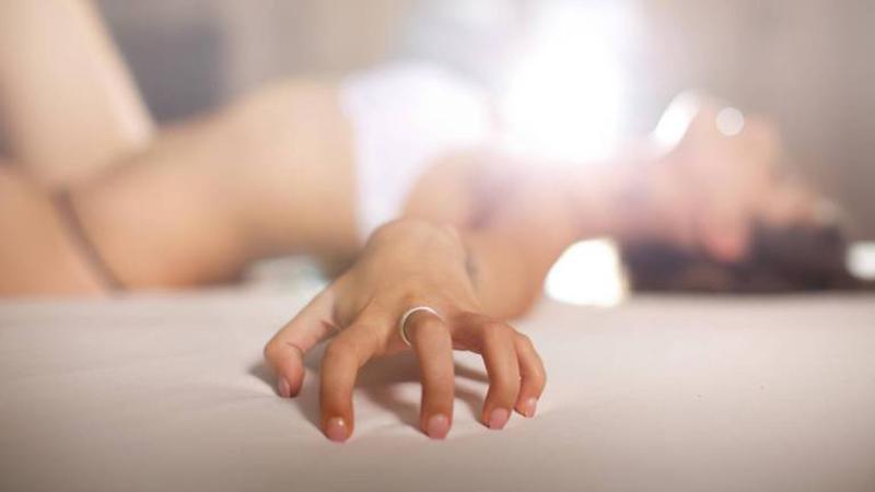 Cách vợ chồng quan hệ đạt cực khoái bao gồm việc nắm rõ điểm nhạy cảm của đối phương