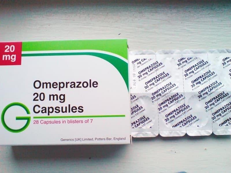 Omeprazole là thuốc trị đau dạ dày thuộc nhóm thuốc ức chế bơm proton.