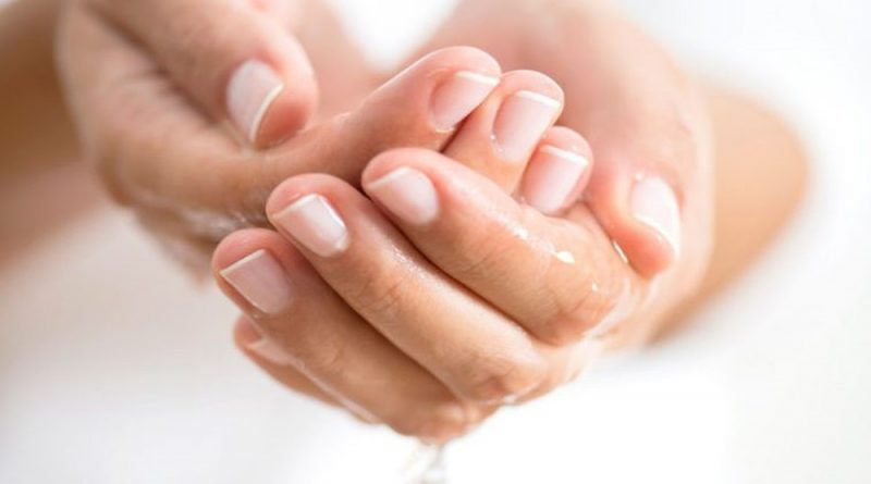 Người bị tăng tiết mồ hôi tay có nguy cơ bị tổ đỉa cao hơn