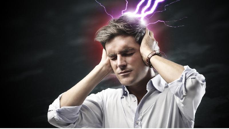 Nhức đầu, chóng mặt là biểu hiện phổ biến nhất khi uống thuốc cường dương