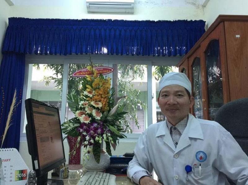 Bác sĩ Võ Doãn Tuấn cũng là cái tên quen thuộc của người dân khu vực miền Trung