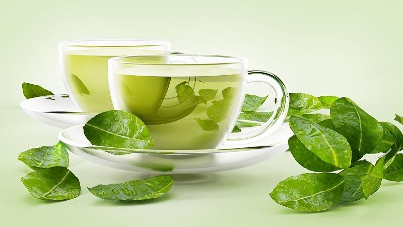 Uống nước trà xanh mỗi ngày rất tốt cho người bị tàn nhang