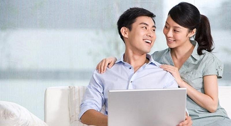Nam giới nên tâm sự, trò chuyện cùng vợ để cùng tìm giải pháp điều trị rối loạn cương dương