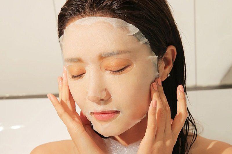 Cách chăm sóc da bị nám là đắp mặt nạ
