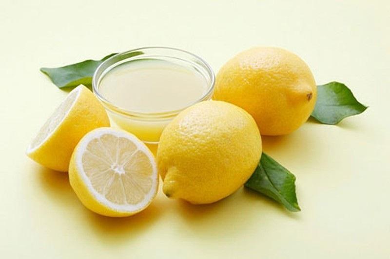 Chanh tưới giúp bổ sung vitamin C và cung cấp độ ẩm cho da