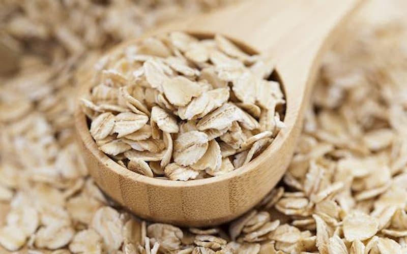 Dùng bột yến mạch trị mề đay như thế nào?