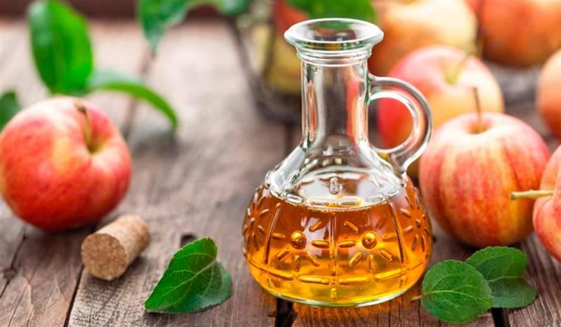 Giấm táo hỗ trợ điều trị hiệu quả mụn đầu đen và làm đẹp da
