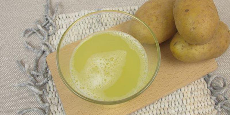 Nước ép khoai tây là cách trị mụn cám trên mặt rất hiệu quả