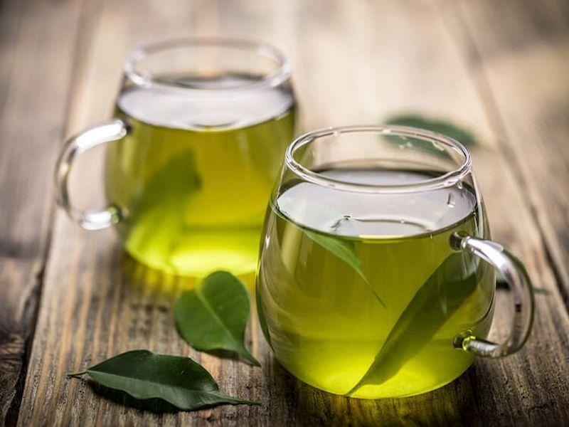 Trà xanh giúp loại bỏ lượng bã nhờn, dầu thừa tích tụ trên da