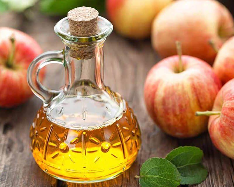 Giấm táo có khả năng kháng khuẩn, làm lành các vết thâm, sẹo sau mụn