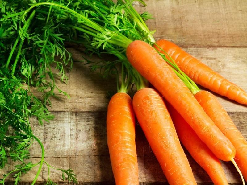 Nam giới có thể kết hợp trứng gà cùng cà rốt để điều trị xuất tinh sớm