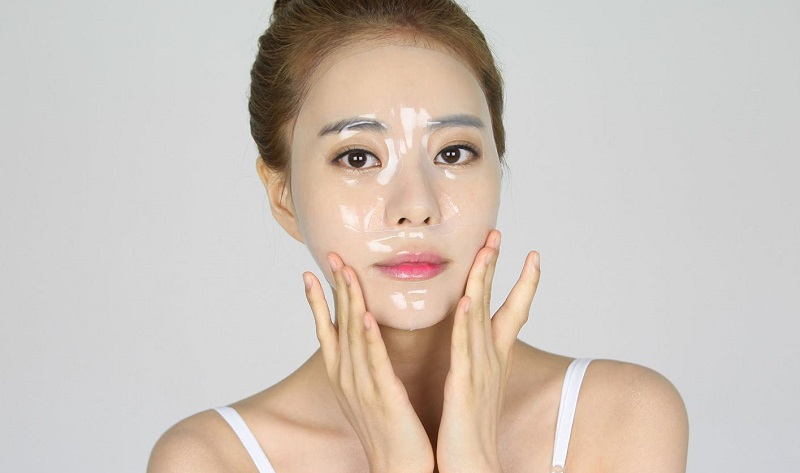 Khi chăm sóc da sau khi trị nám bằng laser, trị em nên bổ sung chất chống oxy hóa, vitamin và các dưỡng chất quan trọng khác cho da thông qua việc đắp mặt nạ