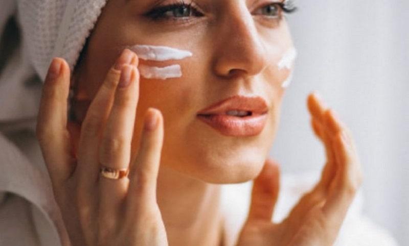 Dưỡng ẩm da vào ban đêm để kích thích quá trình tái tạo tế bào da